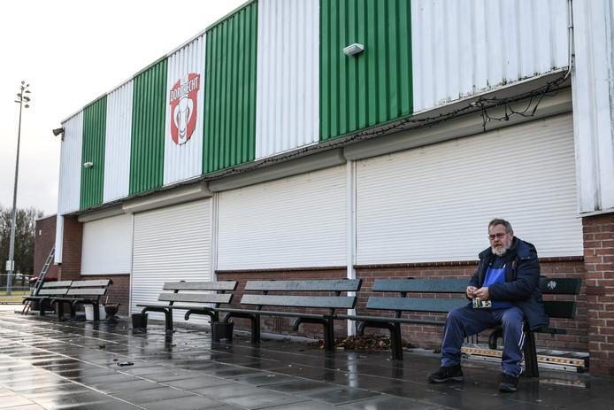 Het tijdelijke complex van FC Dordrecht Amateurs.