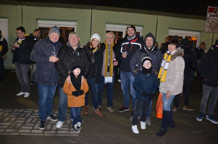 De fans verzamelden voor de wedstrijd voor een afterworkparty.