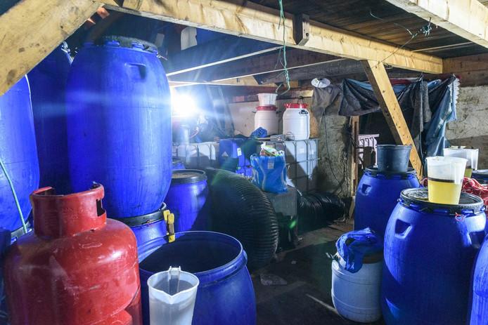 Groot drugslaboratorium ontdekt in schuurtje Baarle-Nassau