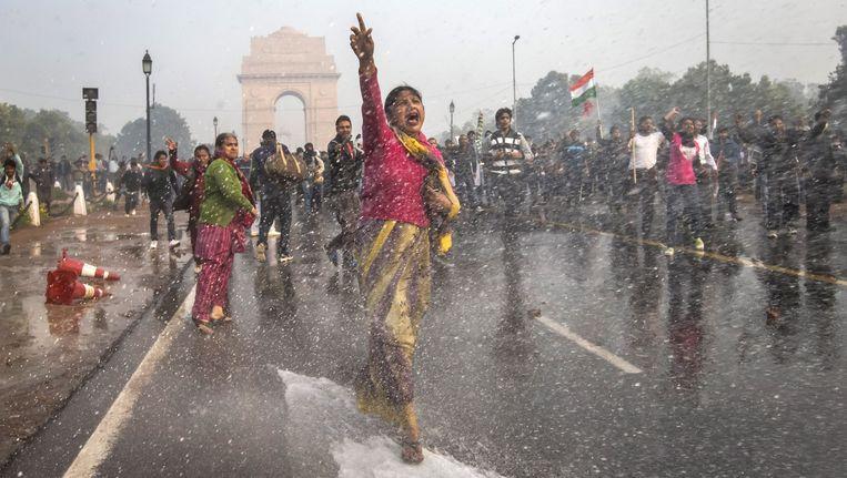 Sinds de groepsverkrachting op 16 december wordt er geprotesteerd in New Delhi. Beeld Getty Images