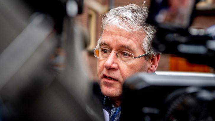 Minister Slob in gesprek met rector Christelijk Lyceum Veenendaal over commotie met nepleerlingen