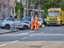 Ravage bij botsing met vier auto's op kruising in Bergen op Zoom