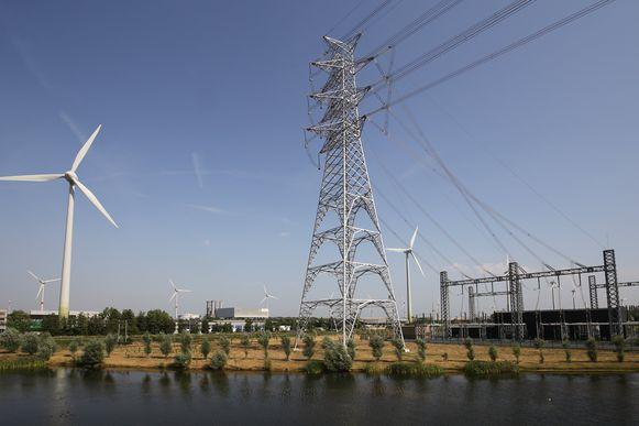 Windmolens in de buurt van Brugge. Foto ter illustratie.