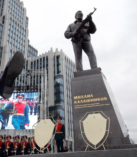 Standbeeld voor Kalasjnikov in Moskou
