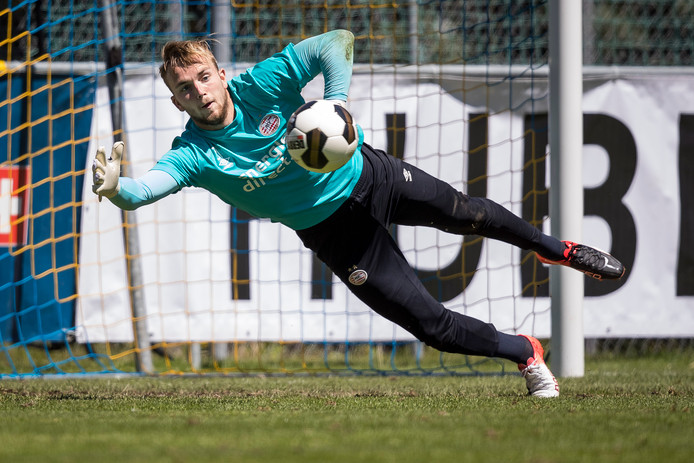 Hidde Jurjus in het shirt van PSV.