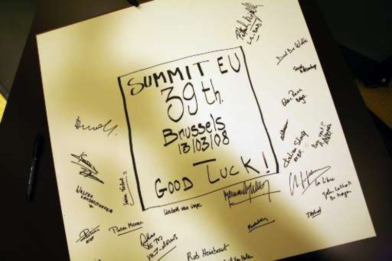 Verhofstadt kreeg zelfs een 'Good Luck'-briefje van journalisten.