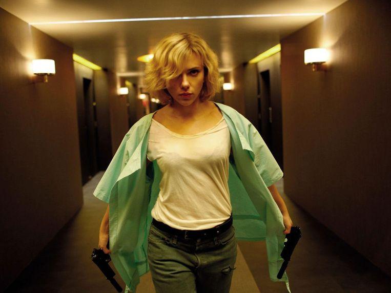 Scarlett Johansson in Lucy van Luc Besson Beeld