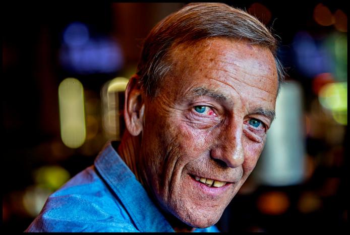 Portret van Johan  Neeskens naar aanleiding van het verschijnen van een boek van kick-schrijver Jaao Visser.