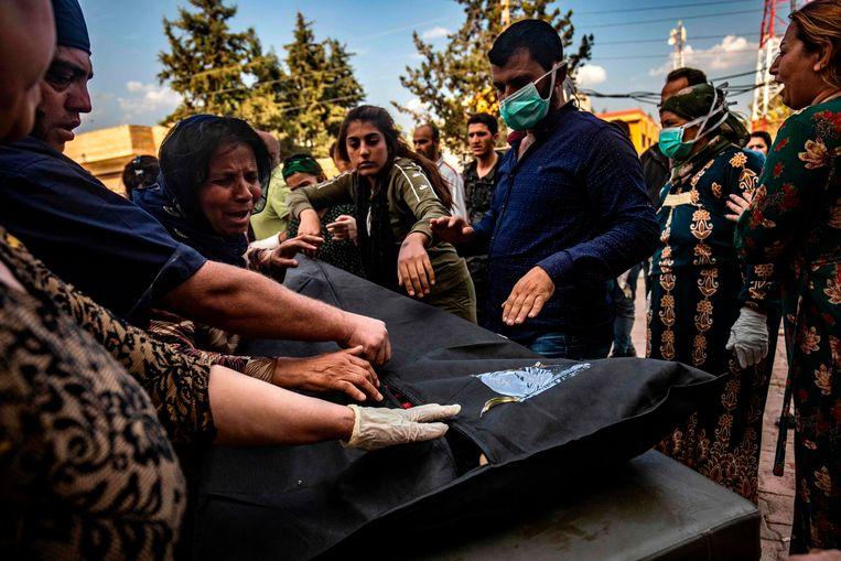 Het staakt-het-vuren zou een pauze van vijf dagen betekenen, zodat de Koerden tijd zouden krijgen om weg te vluchten van de Turks-Syrische grensgebieden.  Beeld AFP