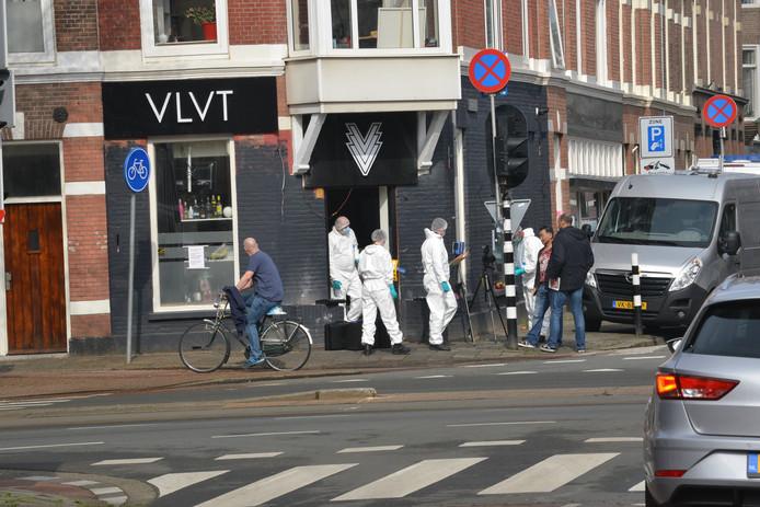 Onderzoek bij de shishalounge aan de Laan van Meerdervoort waar een fatale schietpartij plaatsvond.