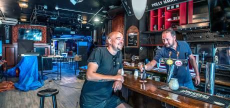 Alternatieve kroegentocht in coronatijd: Tilburgs café komt met 'barrentocht'
