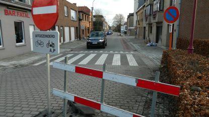 """""""Waarom mogen we niet naar Vrijhofstraat?"""""""