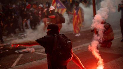 Tientallen gewonden in Barcelona tijdens meest roerige nacht sinds start protesten