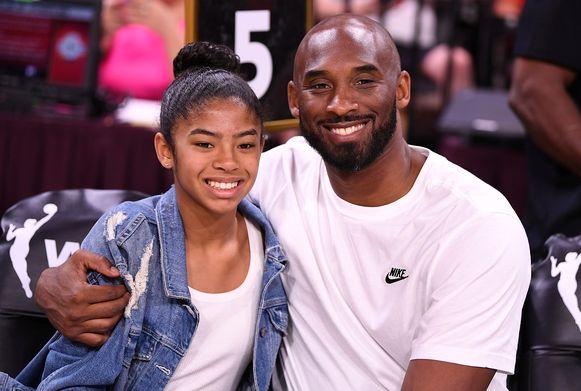 Kobe Bryant en Gianna in de zomer van vorig jaar.