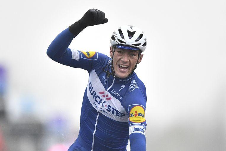 Yves Lampaert kan de eerste worden die drie keer op rij wint in Dwars door Vlaanderen.