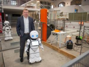 """Robotland, waar je een hoovercraft leert besturen en een robot je drankje maakt: """"Een park als dit vind je nergens anders"""""""