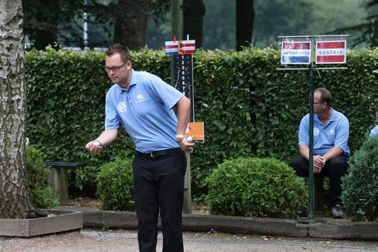 Kees Koogje, in actie namens het Nederlands team.