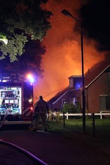 Woonboerderij in Geesteren verwoest na uitslaande brand