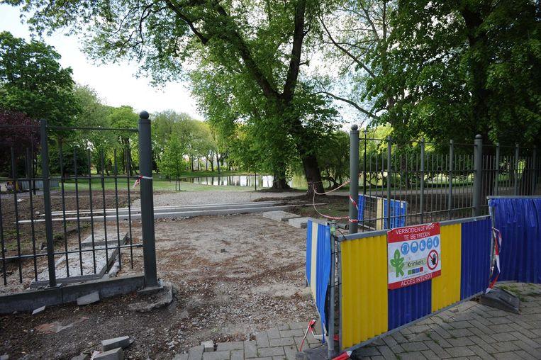 Erg uitnodigend oogt deze ingang van het park alvast niet.