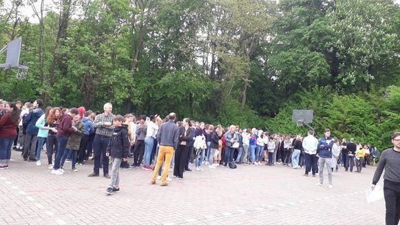 800 leerlingen van het SMO werden geëvacueerd.