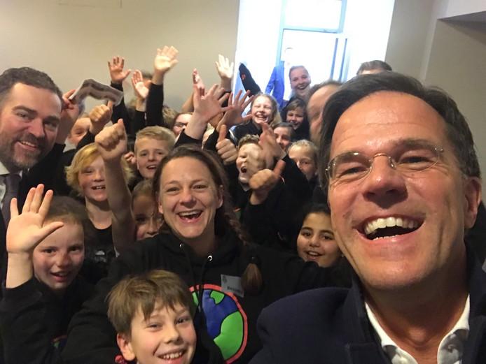 Een selfie met Mark Rutte en Klaas Dijkhoff.