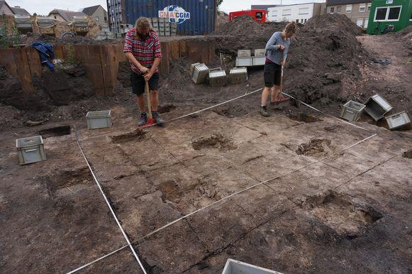 Archeologen aan de slag op de voormalige suikerfabrieksite in Moerbeke.