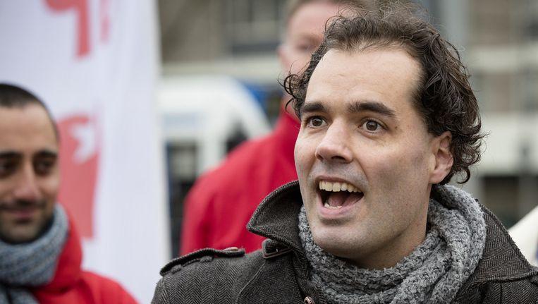 SP-lijsttrekker Laurens Ivens tijdens de aftrap van de Amsterdamse verkiezingscampagne van zijn partij in Osdorp. Beeld anp