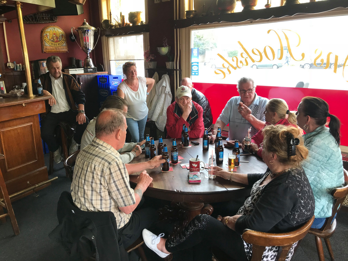 Cafe Ons Hoekske in betere tijden.