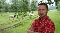 """Tuindokter Stefaan Bingé geeft 10 tuintips: """"Een konijn eet ook geen kattenvoer. Kies de juiste bemesting voor de juiste plant"""""""