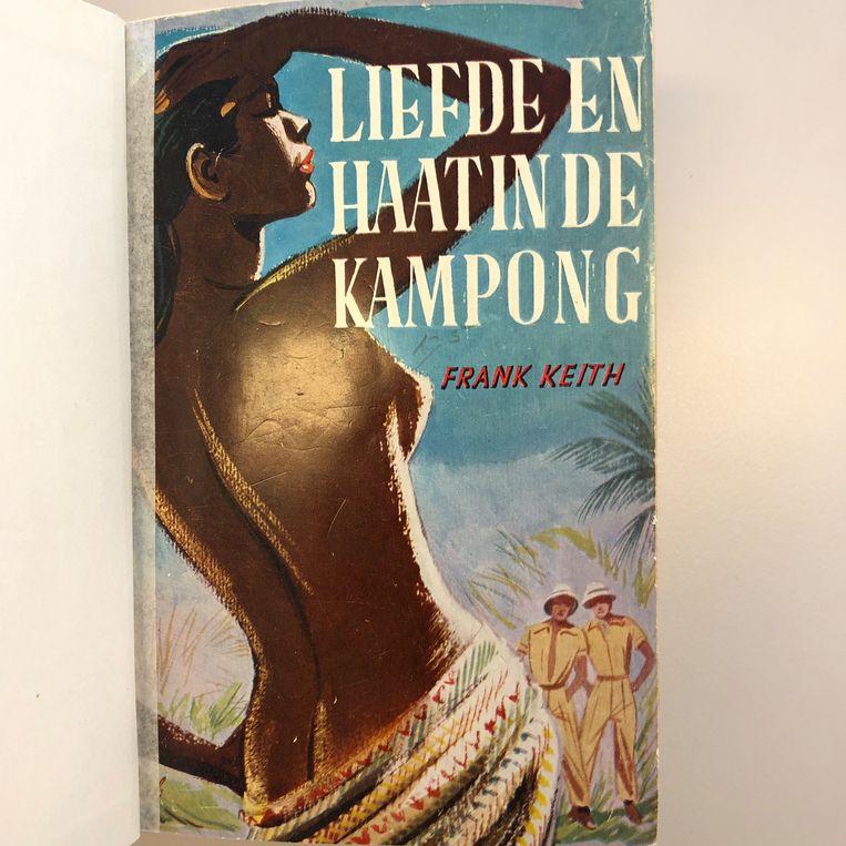 De omslag van Liefde en haat in de Kampong, waarin Sjef en Kees zich nog meer dan onbekommerd verlustigen. Beeld