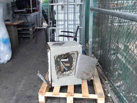 Inbrekers slijpen gat in dak van vishandel in 's-Heerenberg en nemen autosleutels mee