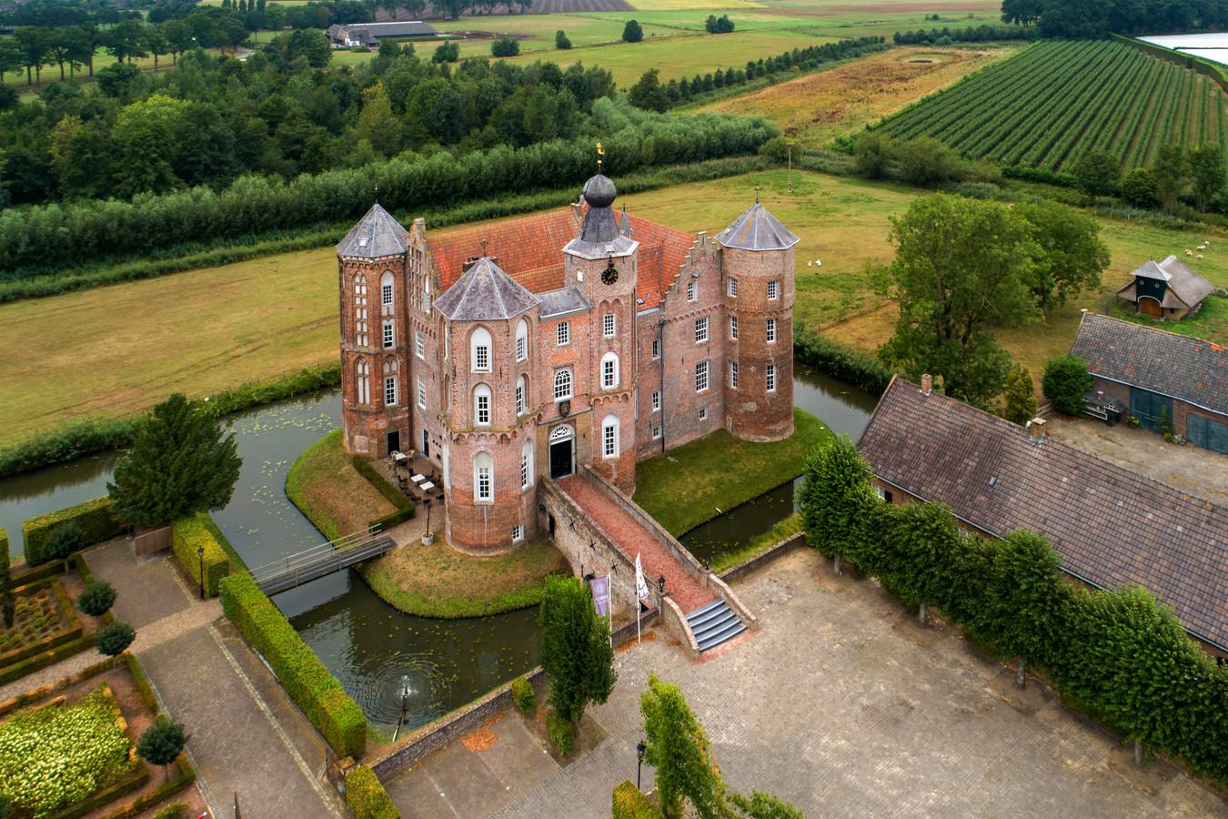 """Het kasteel van Croy, bij Aarle-Rixtel, behoort tot de Brabantse kastelen die nog wél in goede staat zijn, zag fotograaf Marc Bolsius: """"Dankzij een bedrijf dat erin zit."""""""