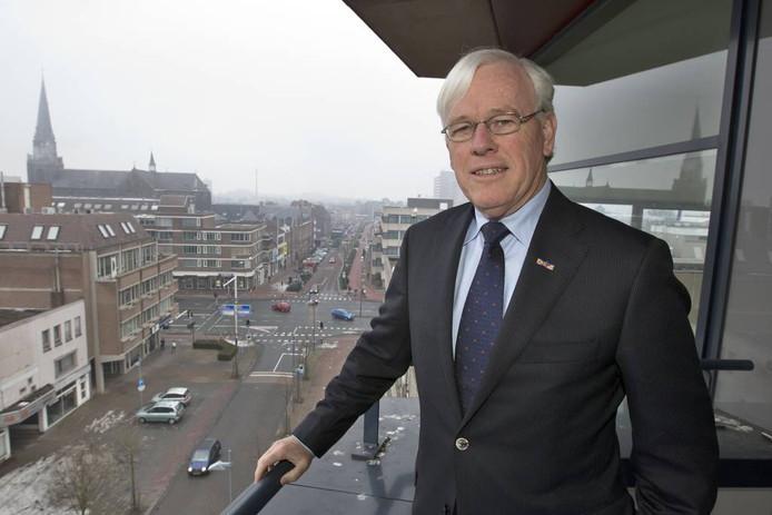 Fons Jacobs had vanuit de plek waar hij kantoor hield toen hij burgemeester was, zicht op het centrum. archieffoto Ton van de Meulenhof