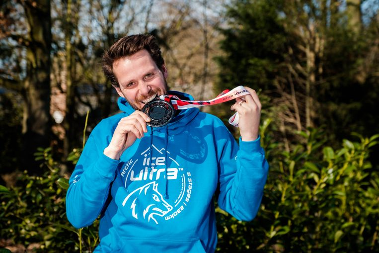 Wim Smout geniet thuis weer van het Belgische lentezonnetje, en van zijn bronzen medaille.