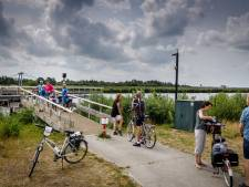 Fietsers kunnen bijna weer over kapotte brug in Giethoorn