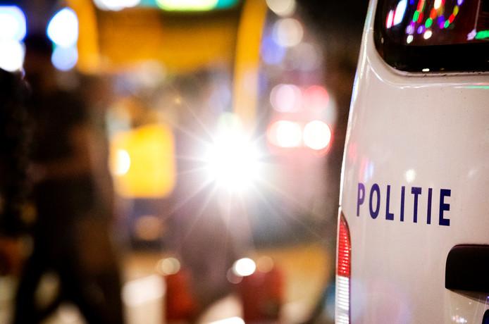 Politie op het Rembrandtplein in Amsterdam.