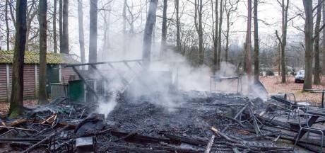 Clubgebouw van politiehondenvereniging in Eerbeek verwoest door brand