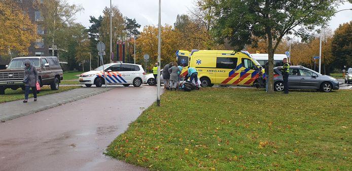Hulpdiensten op de plek van het ongeluk in Hengelo.