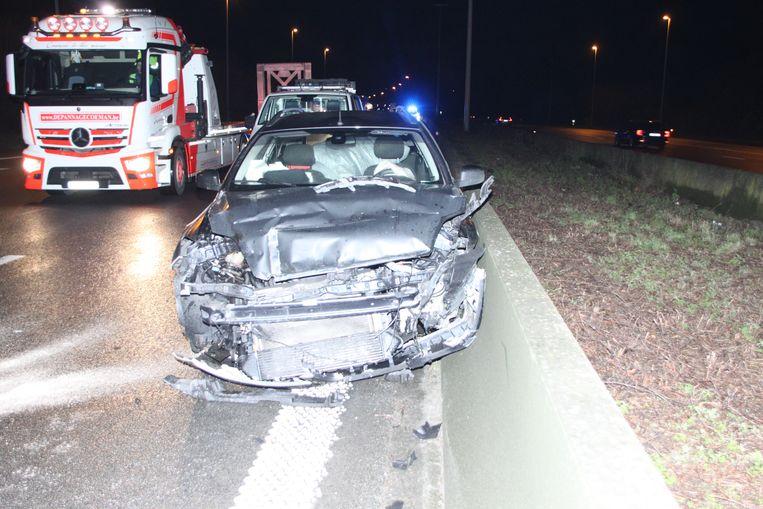 De Ford Mondeo liep zware schade op.