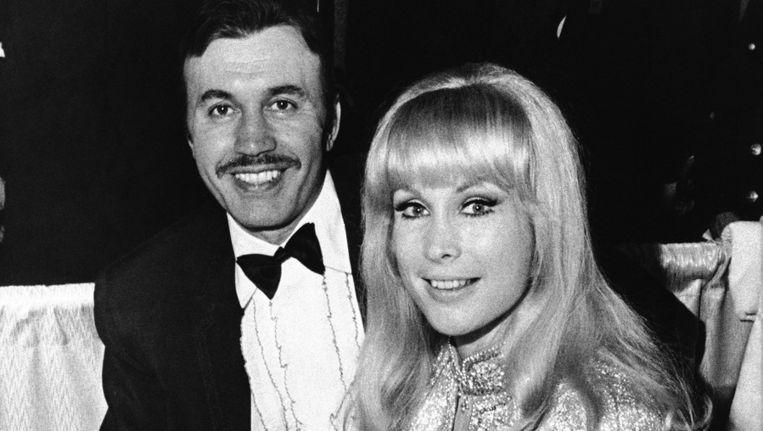 Michael Ansara, hier op een foto uit 1969 met zijn toenmalige vrouw, de actrice Barbara Eden.