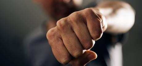 Automobilist mishandeld na verkeersconflict in Oudenbosch