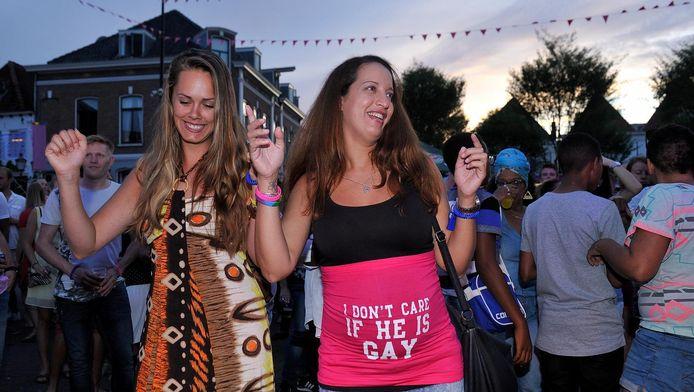 Gaypride Amersfoort dat gisteravond de pleinen van de binnenstad vulde, groeit steeds meer uit tot een heus festival.