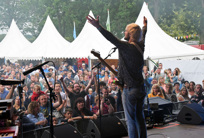 Will and the People op Weitjerock in 2016.