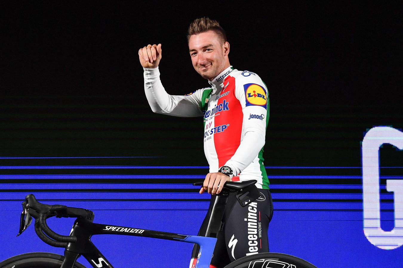 Elia Viviani, deuxième, va devoir patienter pour célébrer sa première vicoire sur ce Giro 2019.