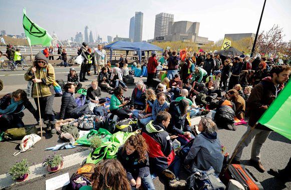 Demonstranten blokkeerden ook Waterloo Bridge.
