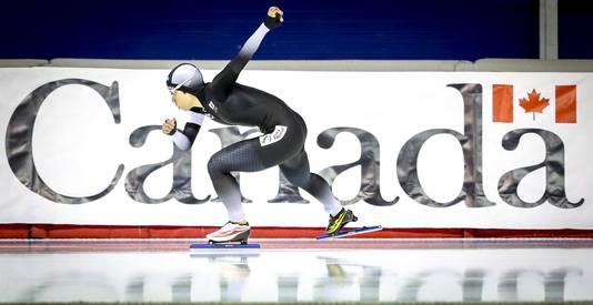 Nao Kodaira uit Japan in actie op de 500 meter tijdens het WK Sprint.