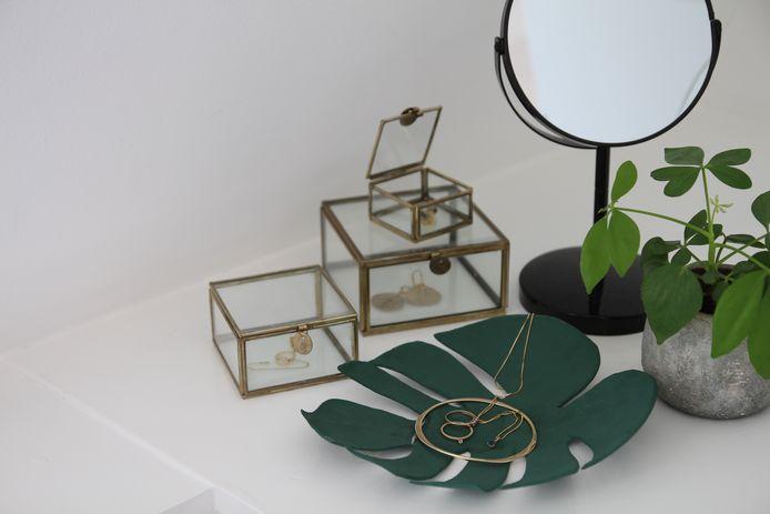 De tropische schaal is een fraaie decoratie voor in de woon- of slaapkamer.