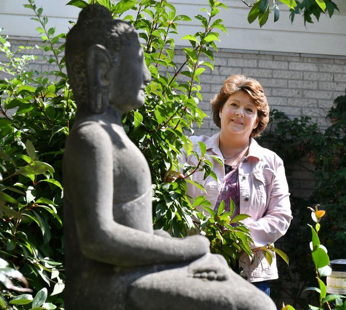 Haya Plaggenborg geeft vanaf medio september de driejarige cursus psycho-energetische therapie.