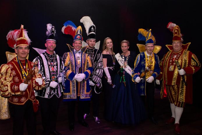 De hoogheden van Enschede (vlnr): Prins Chris (KCT), Prins Roy (K.V. de Heutinkkrekkels), Stadsprins Mark (EKV/EKR), Prins Michel en Prinses Carmen (K.V. de Daaltrappers), Prinses Jannie (C.V. de Gifkikkers), Prins Patrick ( C.V. de Tuffelkroepers) en Prins Ed ( G.K.V. de Grenskeerlkes).