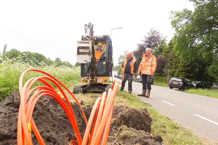 De verwachting is dat in de loop van volgend jaar de aanleg van de glasvezelaansluitingen binnen het buitengebied van heel de gemeente Berkelland afgerond zal worden.
